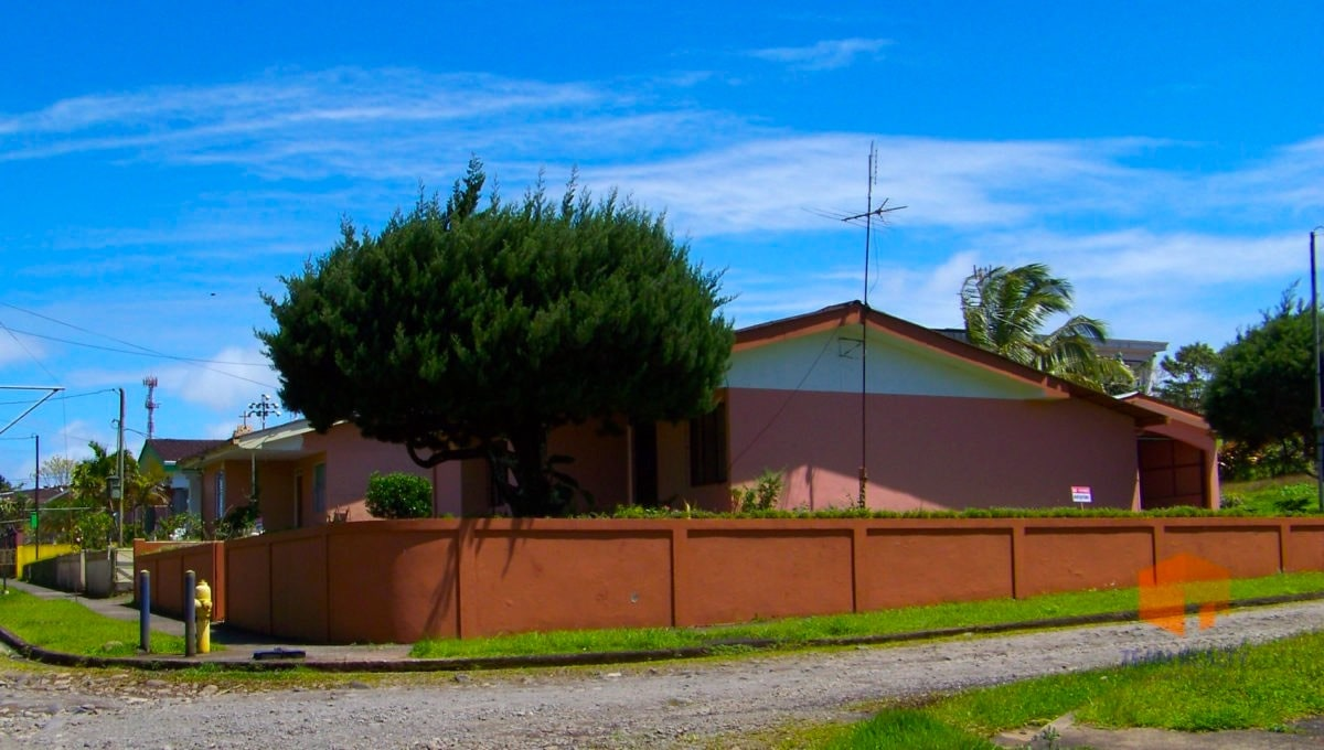 Nuevo Arenal , Lake Arenal