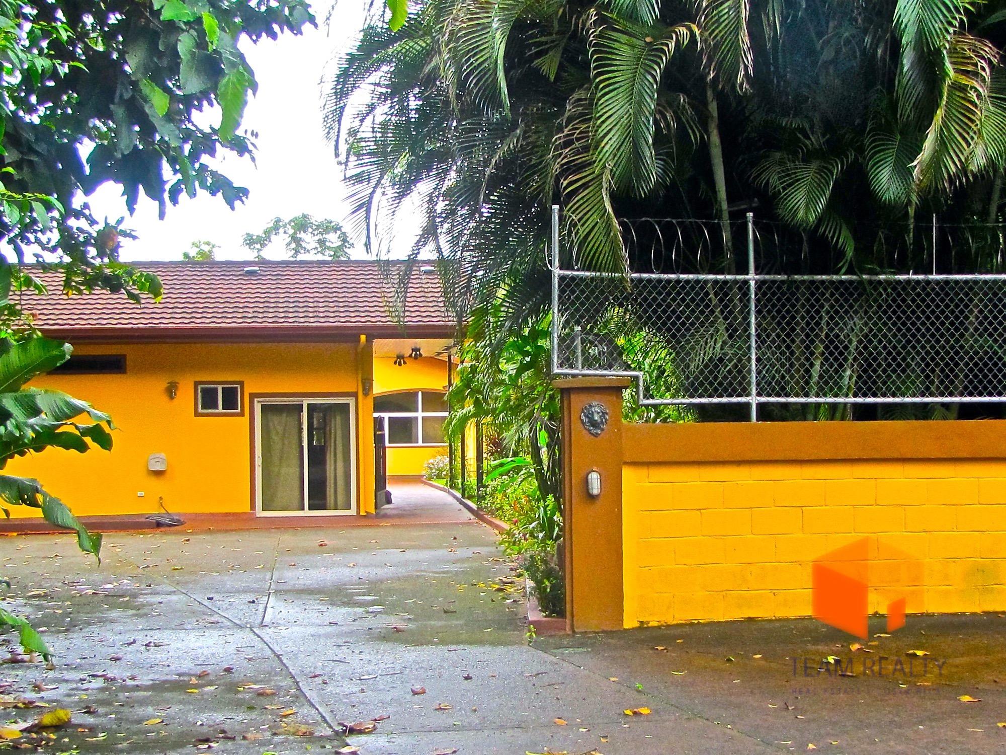 INCREDIBLE Estate in Nuevo Arenal